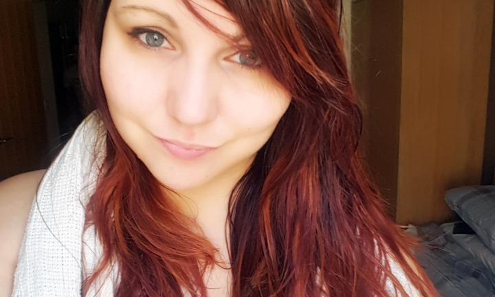 Maintaining long, colouredhair